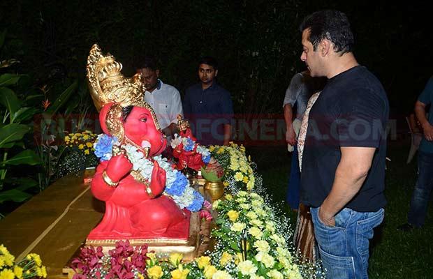 Salman-Khan-Ganpati-Visarajan-009