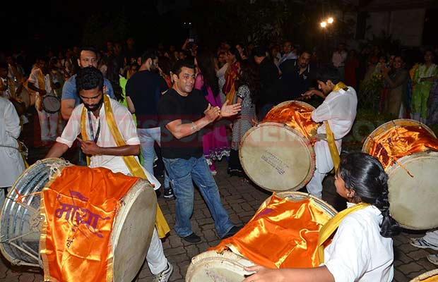 Salman-Khan-Ganpati-Visarajan-010