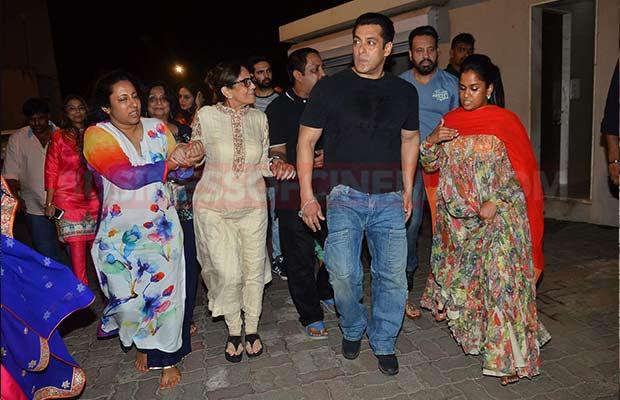 Salman-Khan-Ganpati-Visarajan-12
