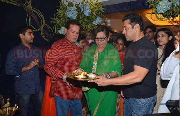 Salman-Khan-Ganpati-Visarajan-35