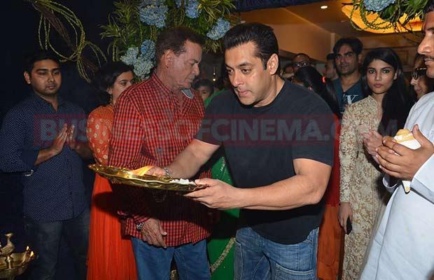 Salman-Khan-Ganpati-Visarajan-36