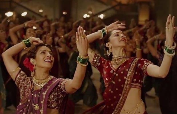 Priyanka-Deepika-Padukone-Bajirao-Mastani