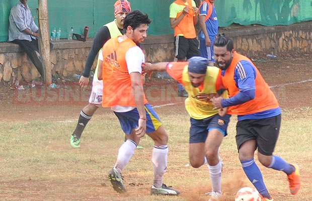 Ranbir-Sidharth-Match-004