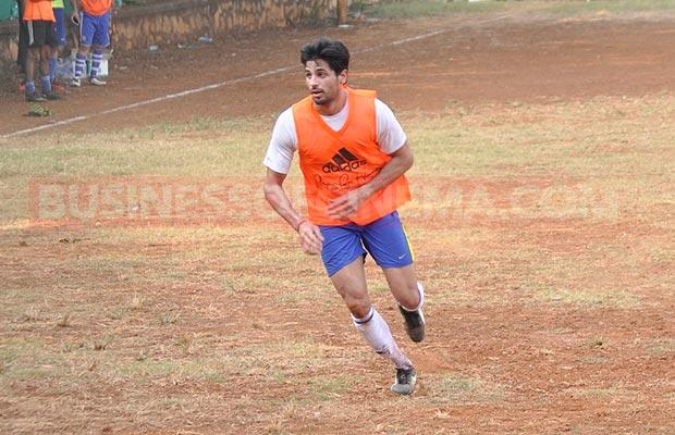 Ranbir-Sidharth-Match-007