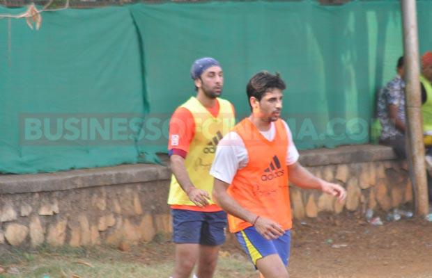 Ranbir-Sidharth-Match-008