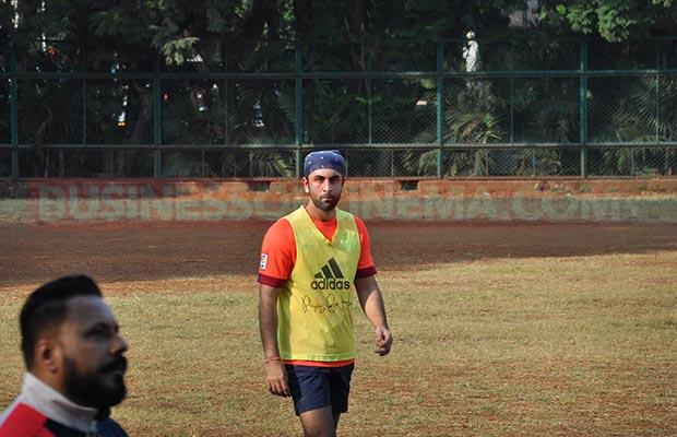 Ranbir-Sidharth-Match-00874