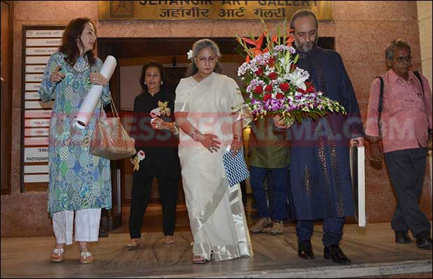 jaya-bachchan-art-exhibition-11