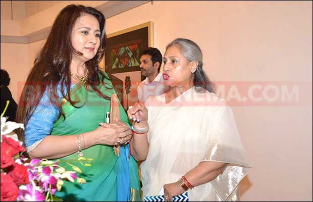 jaya-bachchan-art-exhibition-12