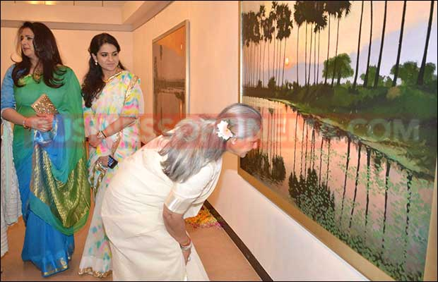 jaya-bachchan-art-exhibition-17