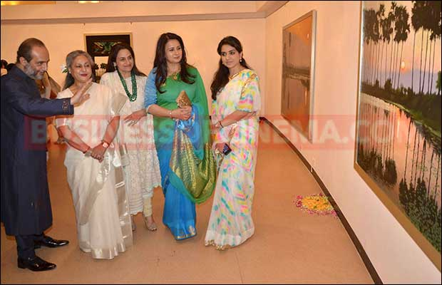 jaya-bachchan-art-exhibition-18