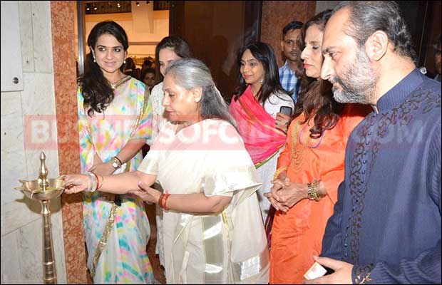 jaya-bachchan-art-exhibition-21