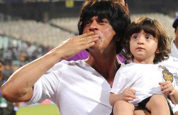 Shah-Rukh-Khan-and-AbRam-at-IPL