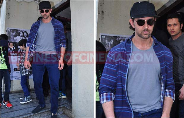hrithik-snapped-with-kids-1