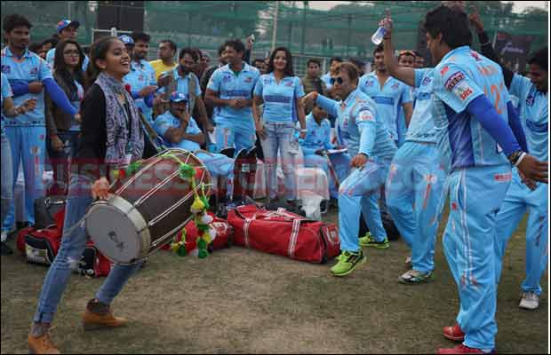 Bhojpuri-Dabanggs-Vs-Mumbai-Heroes-1