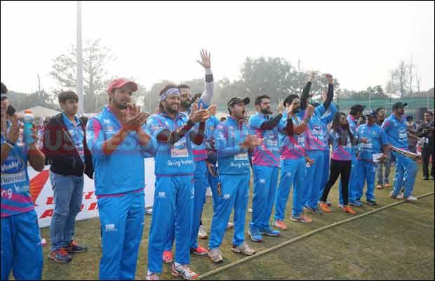 Bhojpuri-Dabanggs-Vs-Mumbai-Heroes-20