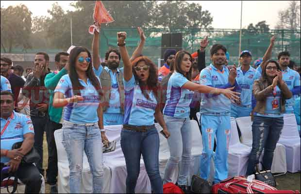Bhojpuri-Dabanggs-Vs-Mumbai-Heroes-24