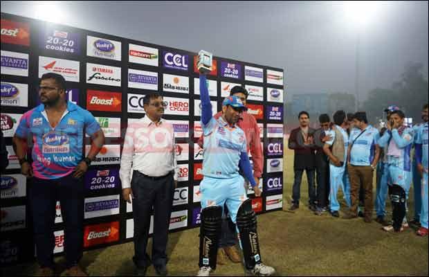 Bhojpuri-Dabanggs-Vs-Mumbai-Heroes-7