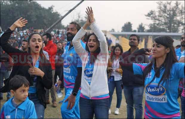 Bhojpuri-Dabanggs-Vs-Mumbai-Heroes
