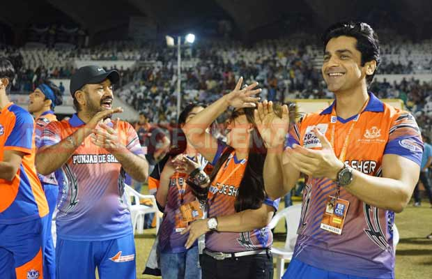 ayushman-and-sonu-sood-at-ccl-match-1