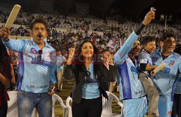 ayushman-and-sonu-sood-at-ccl-match-2
