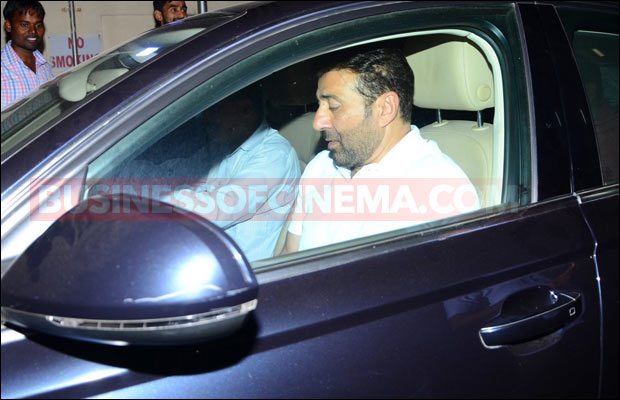 sunny-deol-snapped-3