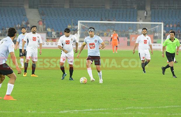 Ranbir-Kapoor-Soccer-Match-15