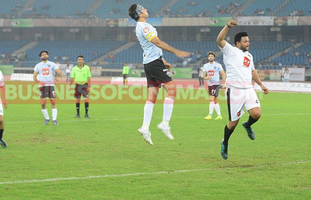 Ranbir-Kapoor-Soccer_1