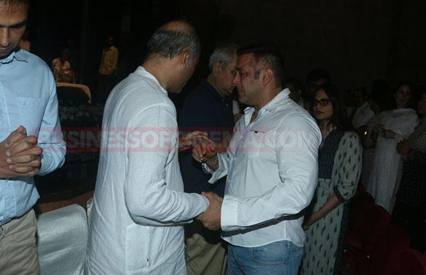 Salman Khan Prayer Meet 0011