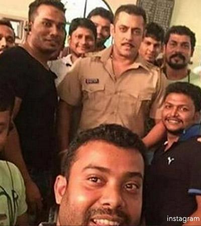 Salman-Khan-Chulbul-Pandey-look-1