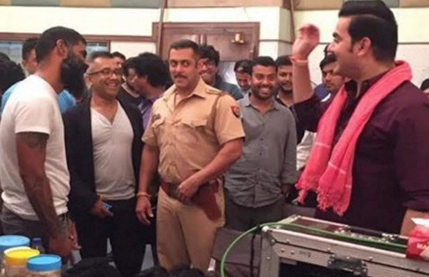 Salman-Khan-Chulbul-Pandey-look-3