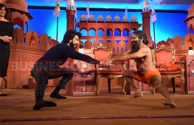 Ranveer Singh And Ramdev Baba's Yoga Battle In Befikre Style!