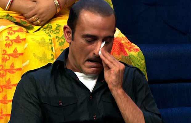 Akshaye Khanna Crying
