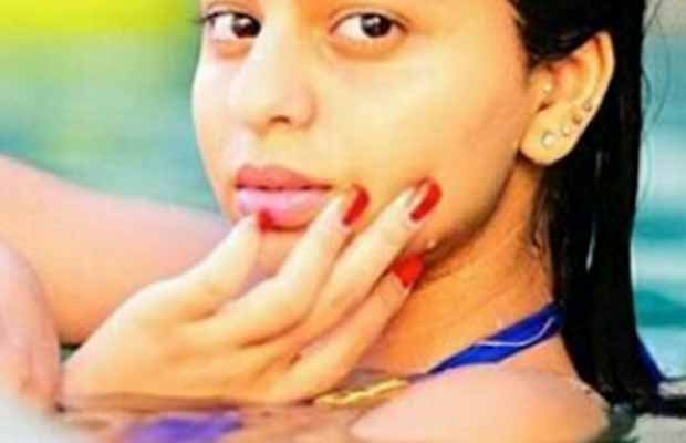 Photo: Shah Rukh Khan's Daughter Suhana Khan Poses In A Pool, Picture Goes Viral!