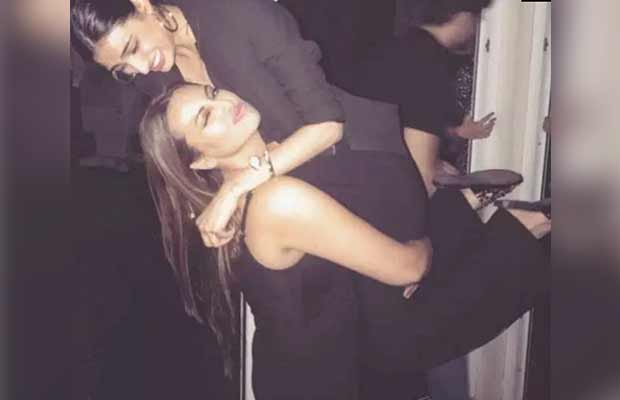 Photos: Deepika Padukone Celebrates Wrap-up Of Padmavati With Ranveer Singh And Others