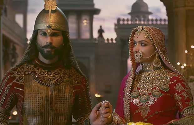 Watch Padmavati Song Ek Dil Ek Jaan: Shahid Kapoor-Deepika Padukone's Chemistry Is Endearing!
