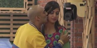 Bigg Boss 11: Akash Dadlani Showers Love On Arshi Khan, Gives Her Kisses!